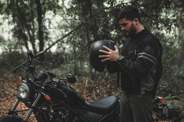 TOP 5 FEATURES TO LOOK FOR IN A MOTORCYCLE JACKET