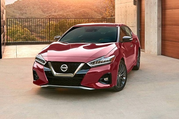 Which is the Best Sedan to Buy from Nissan This Year?